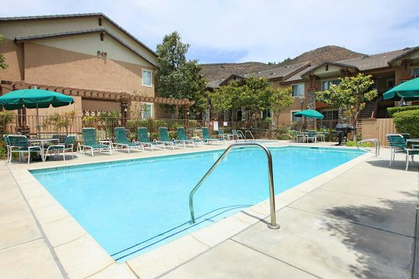 Harmony Terrace Apartment Homes Senior Apartments In Simi Valley Ca