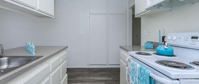 Del Amo Apartment Homes - Apartments in Anaheim, CA