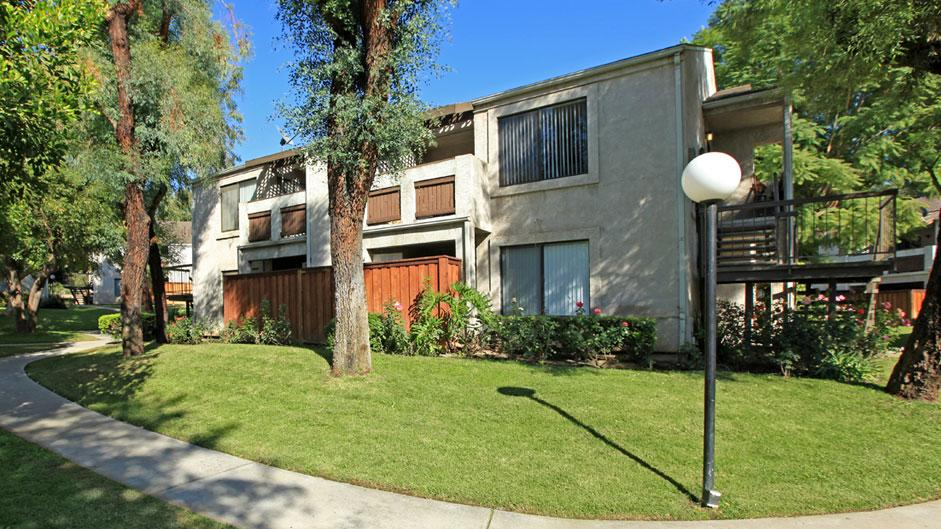 Highland Meadows - Apartment Homes in Highland, CA