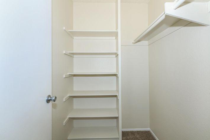 05c Closet.jpg
