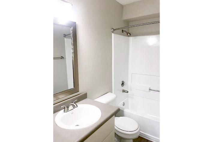 127-Bath.jpg