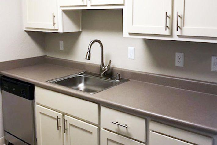127 Kitchen Sink.jpg
