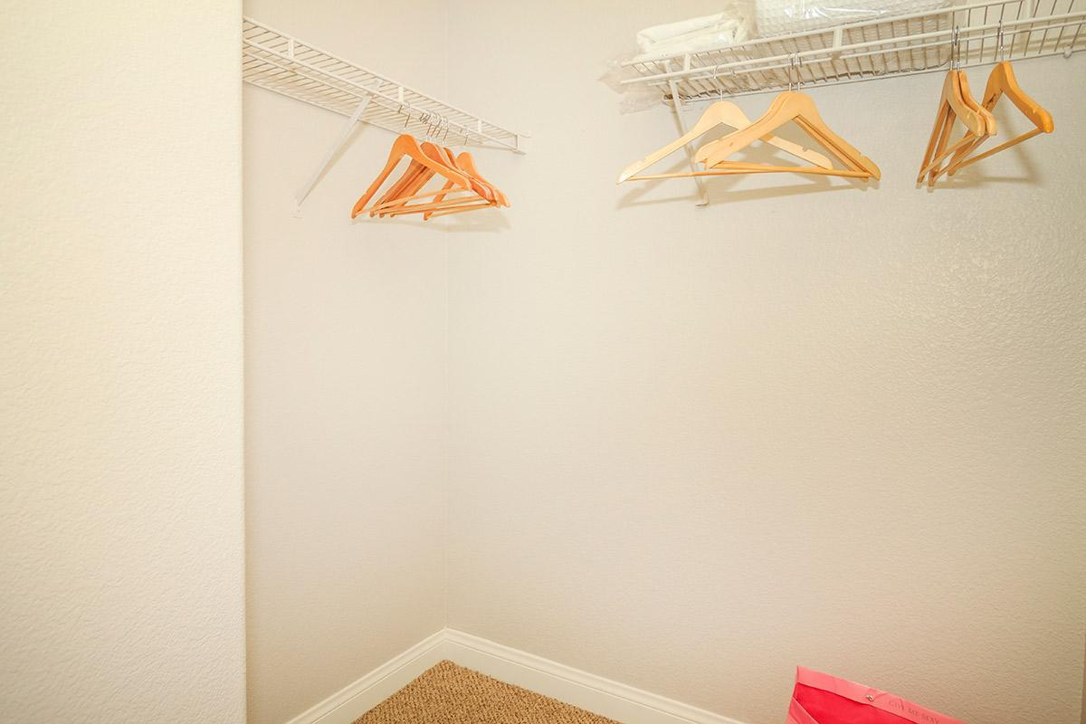 WALK-IN CLOSETS AT SIENA TOWNHOMES IN LAS VEGAS