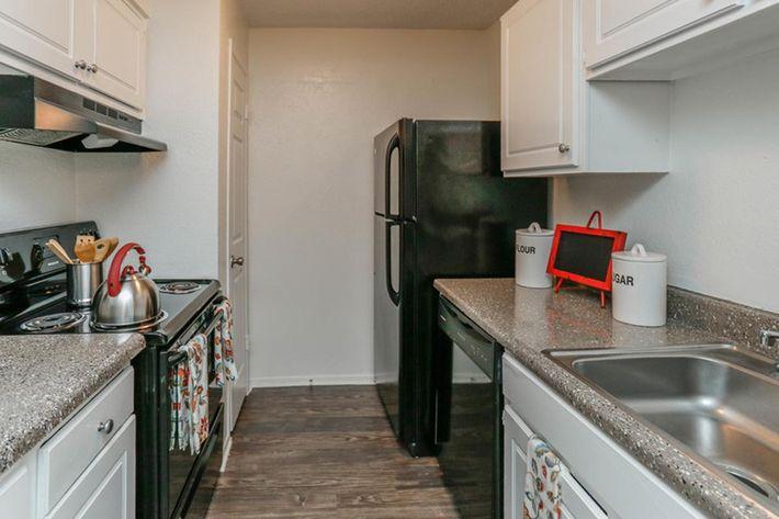 central-park-houston-tx-kitchen.jpg