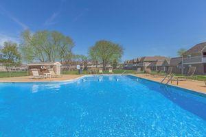 Swimming pool at Nottingham apartments in Murfreesboro, TN