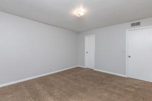 Spacious carpeted bedroom at Nottingham