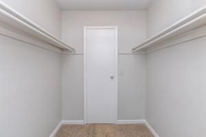 Walk-in closets in bedrooms for rent at Nottingham