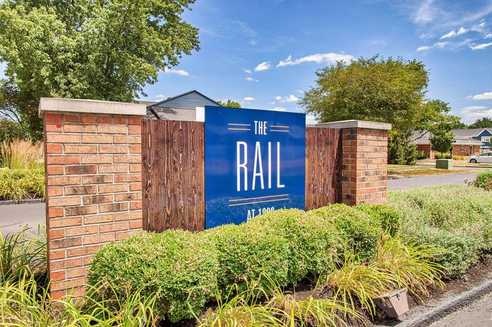Front-Property-Sign_1380-SAYLOR-DR-ZIONSVILLE-IN_QUAIL-RUN_RPI_II-325083-111.jpg