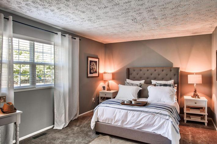Bedroom_1380-SAYLOR-DR-ZIONSVILLE-IN_QUAIL-RUN_RPI_II-325083-38.jpg