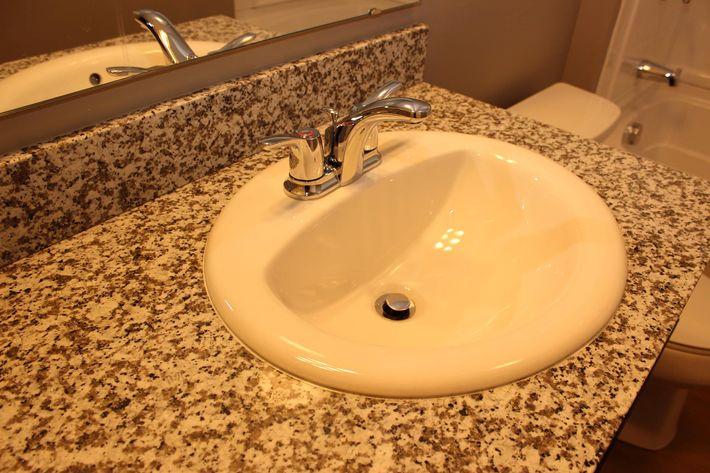 QuailRunII 3 bathroom(16)(1).JPG