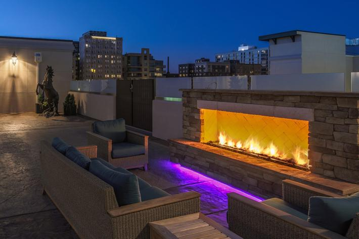 The Orion Apartments in Central West End - St. Louis, MO - Rooftop Firepit 01 (1280x854).jpg