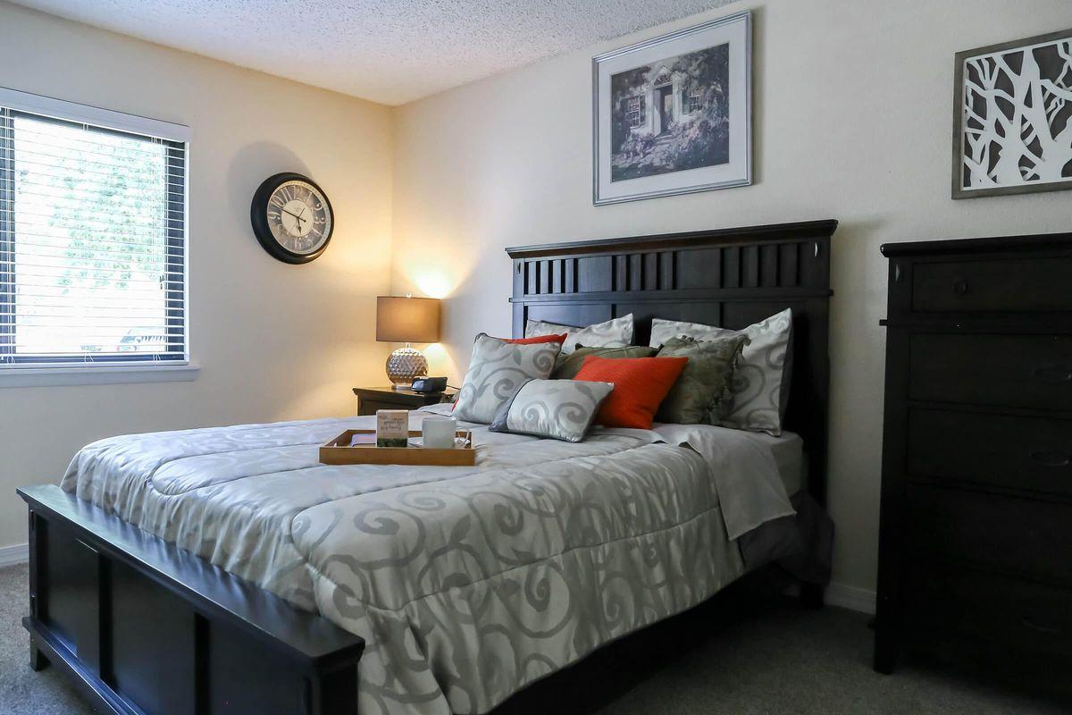 Elegant Bedroom in Knoxville, TN