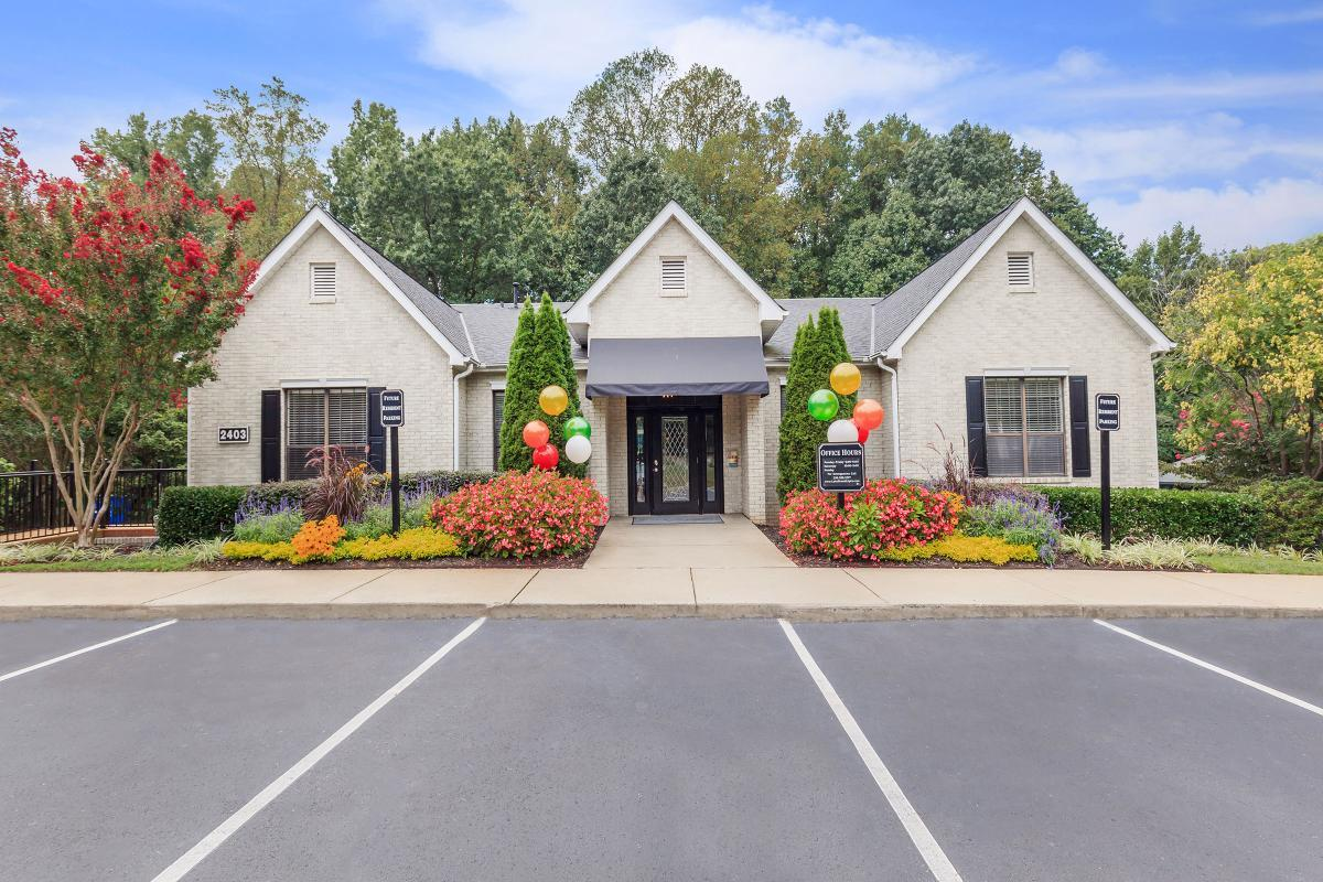 LEASE TODAY AT LAKE BRANDT APARTMENTS