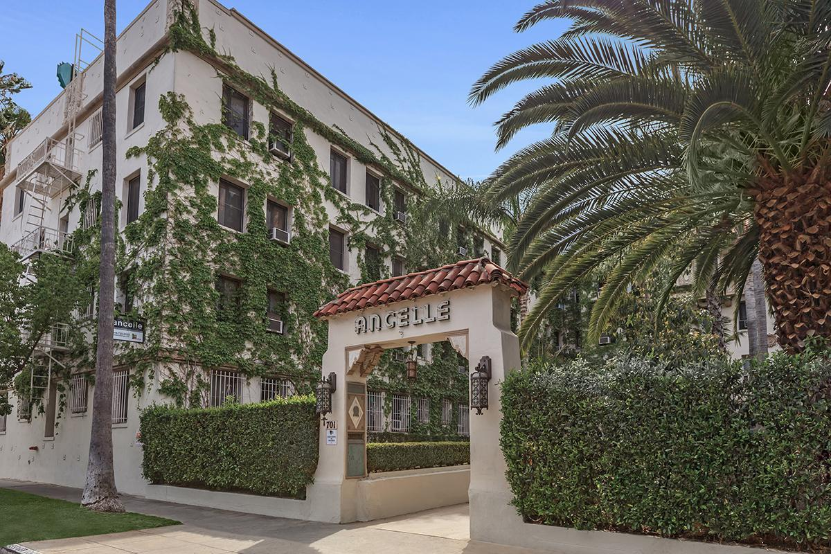 Amazing landscaping at Ancelle in Los Angeles, CA