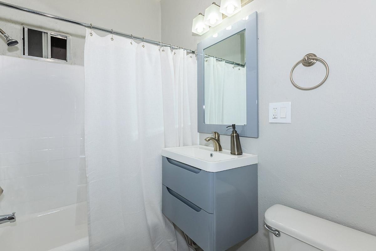 Modern bathroom at Ancelle