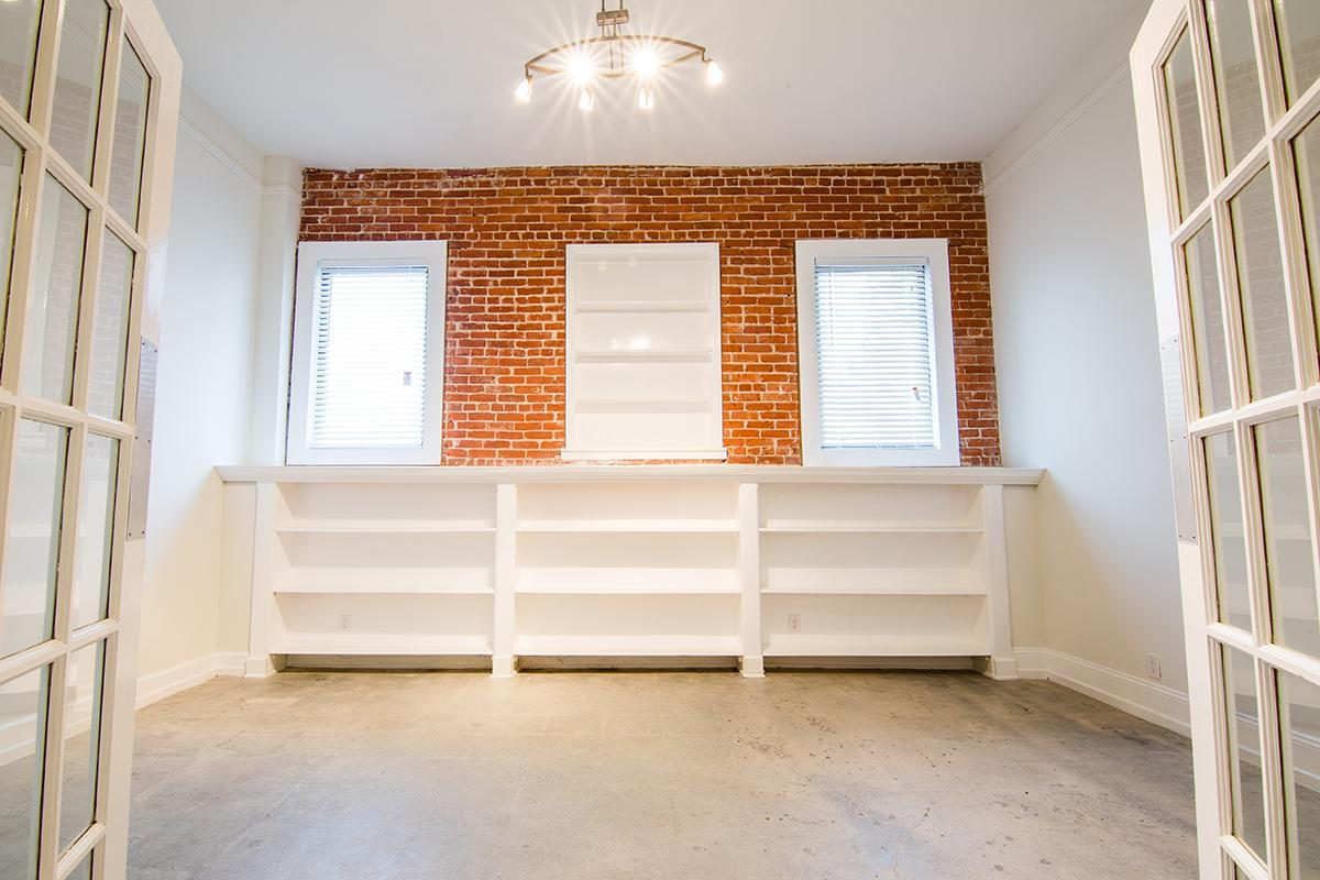 Plenty of shelves at Ancelle
