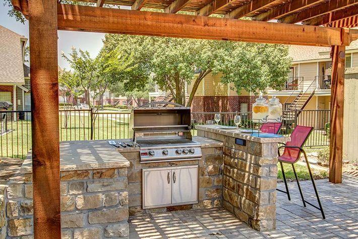 Gallery-Villas-Outdoor-Kitchen2.jpg