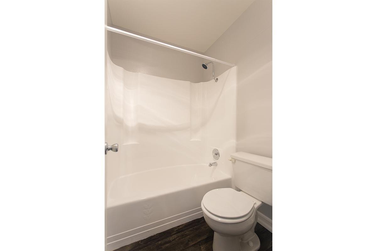 Pic 10 Bath.jpg