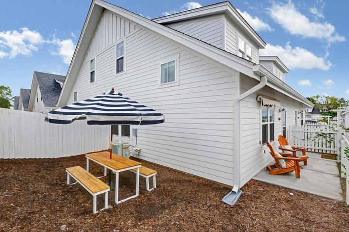 Enjoy the outdoors at The Townhomes at Beau Rivage in Wilmington, North Carolina.