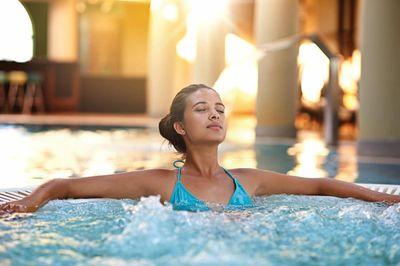 amenities-pool-spa.jpg