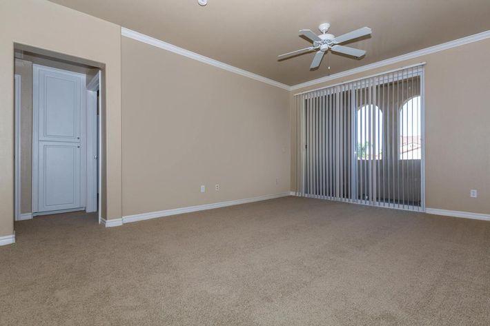 01a_Living Room.jpg