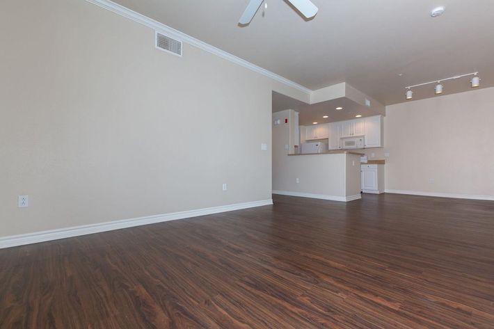 01b_Living Room.jpg