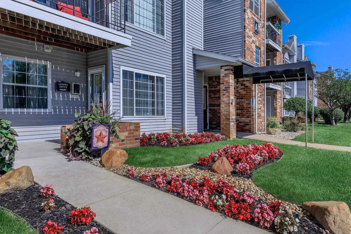 SHORT-TERM LEASING AVAILABLE AT THE LANDINGS AT THE PRESERVE APARTMENTS