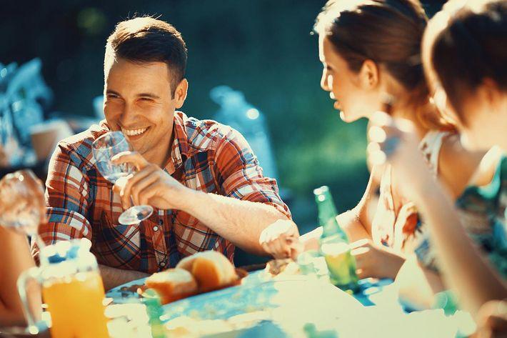 amenities-exterior-friends on patio.jpg