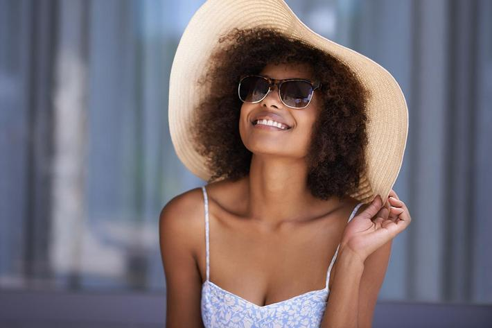 Lifestyle Girl with hat