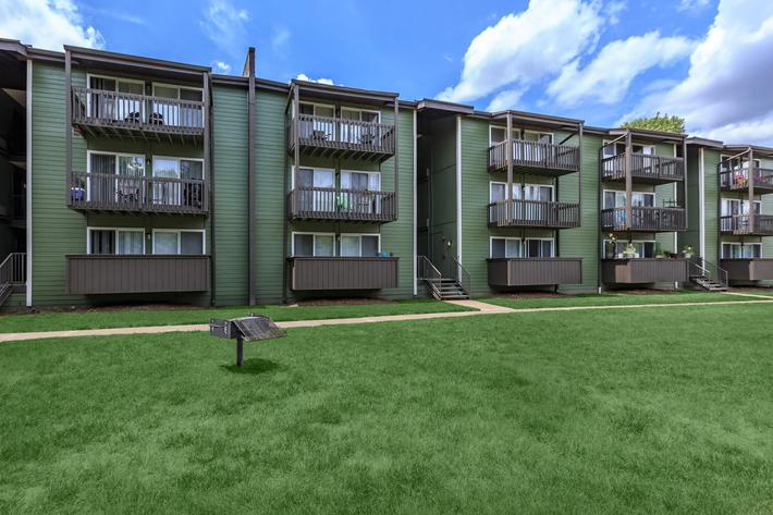 utilize the grill area at Sunrise Apartments in Nashville, Tennessee