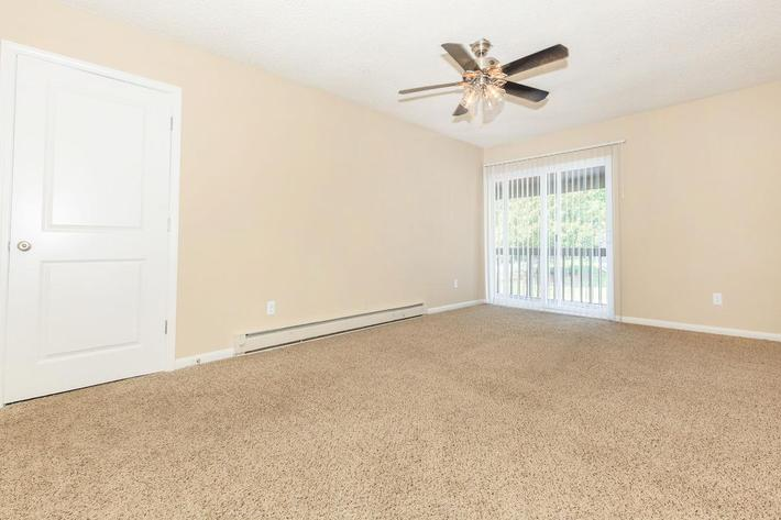 Plush carpeting in Serenity Living space