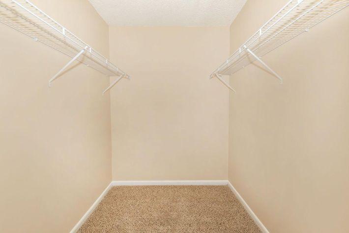 Serenity Walk-in Closet