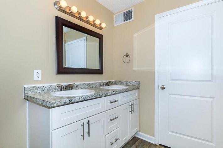 Summit Premium Bathroom at Sunrise Apartments in Nashville, TN