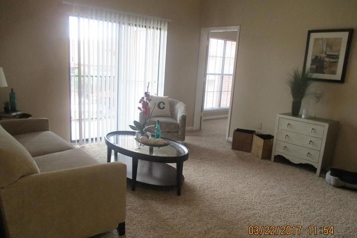 crawford-park-homes-dallas-tx-living-room.jpg