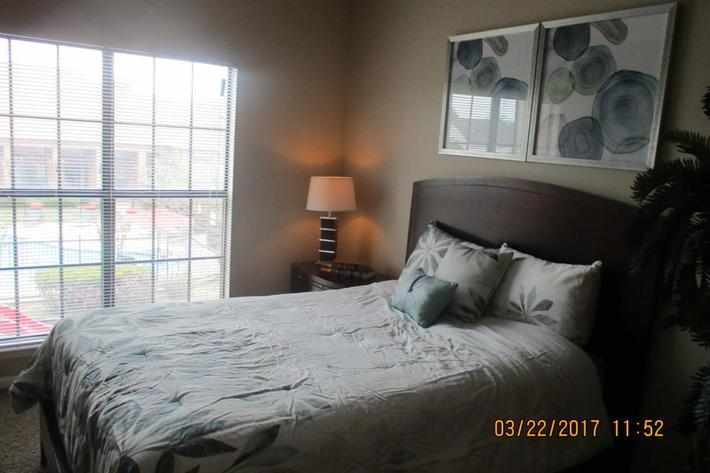 crawford-park-homes-dallas-tx-master-bedroom.jpg