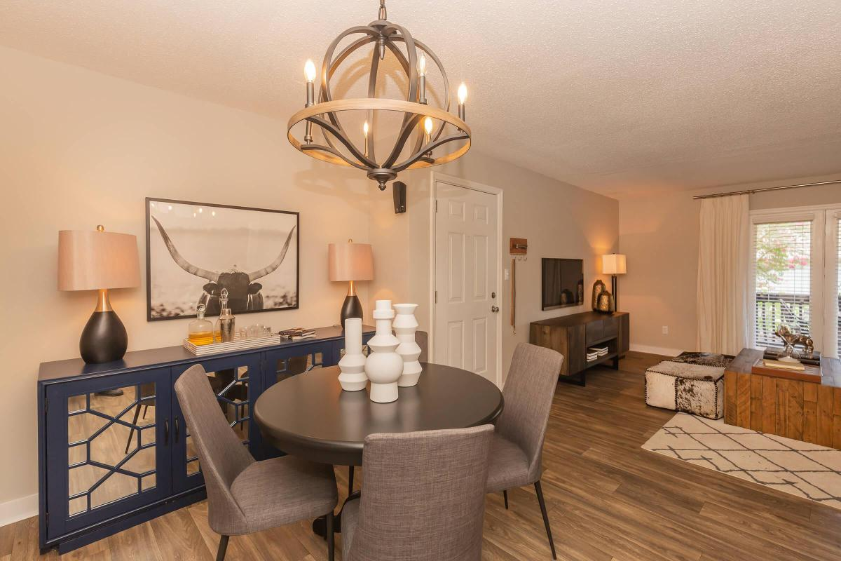Dining at Madison Landing at Research Park Apartments