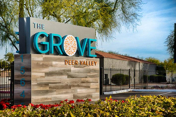 The_Grove_S1_02.jpg