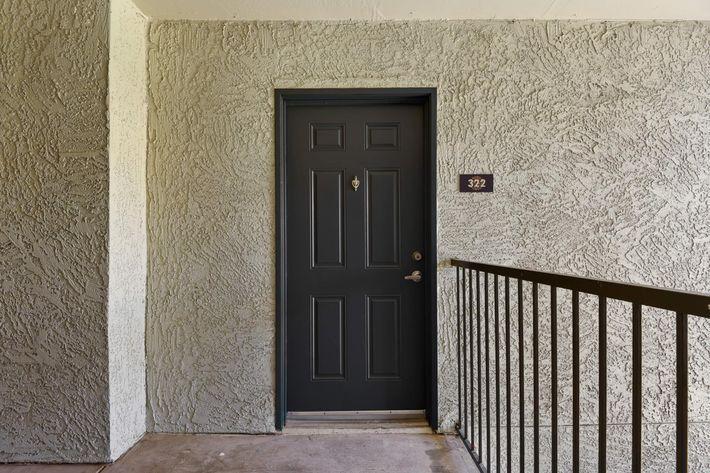 4-Entrance.jpg