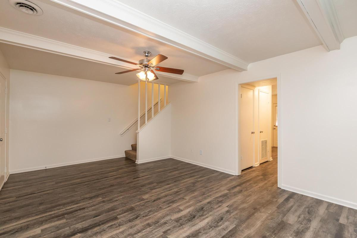2 BEDROOM APARTMENT FOR RENT IN JACKSON, TN