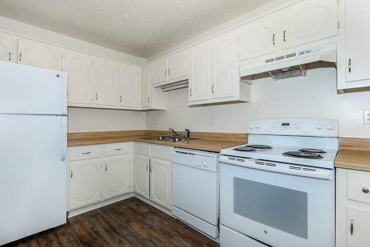 SPACIOUS KITCHEN AT UNIVERSITY VILLAGE AT WALKER ROAD IN JACKSON, TENNESSEE