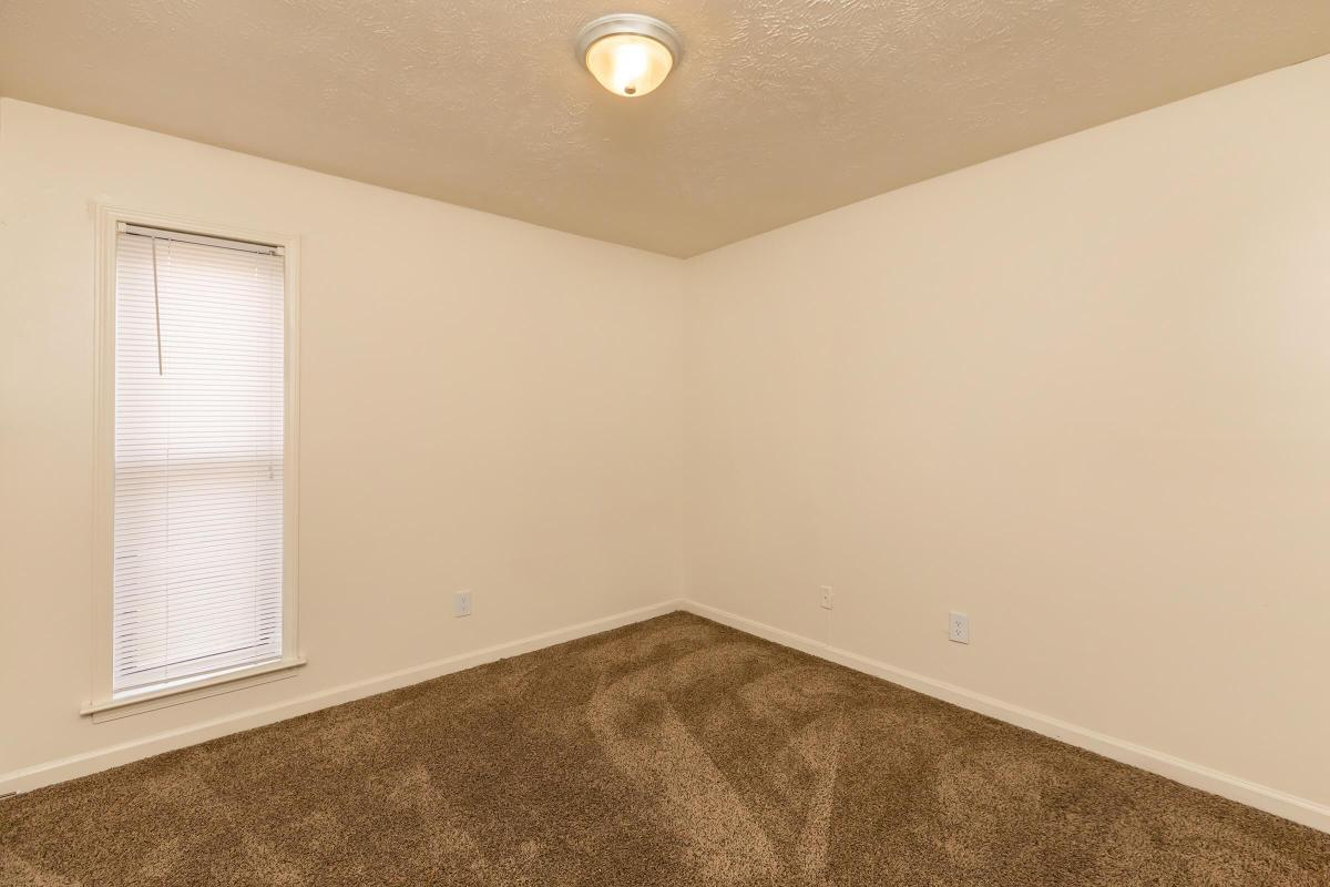 CARPETED FLOORS IN 2 BEDROOM FOR RENT IN JACKSON, TENNESSEE