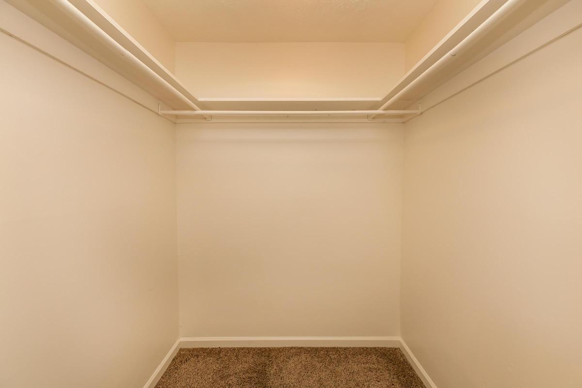 WALK-IN CLOSETS IN 3 BEDROOM APARTMENTS FOR RENT IN JACKSON, TN