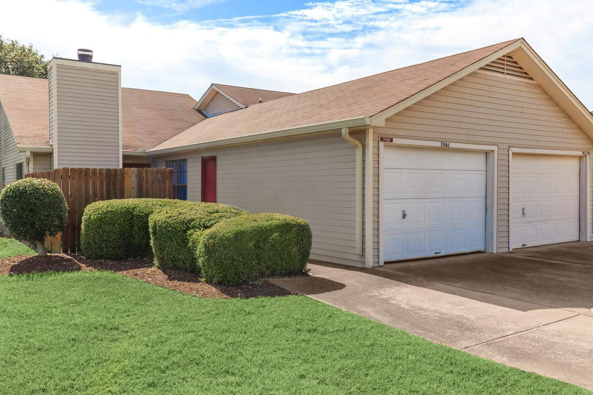 SELECT HOMES HAVE GARAGES AT UNIVERSITY VILLAGE AT WALKER ROAD IN JACKSON, TENNESSEE