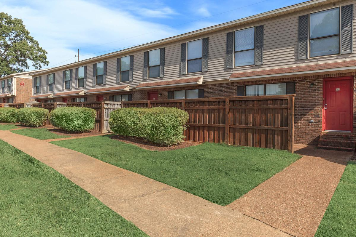 WELCOME HOME TO UNIVERSITY VILLAGE AT WALKER ROAD IN JACKSON, TENNESSEE