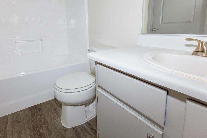 CONTEMPORARY BATHROOM AT SAN MICHELE IN LAS VEGAS