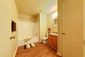 MODERN BATHROOM AT WOODLAND OAKS