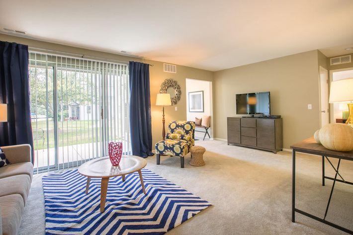 Arbor Landings Ann Arbor MI - Living Room 3.jpg