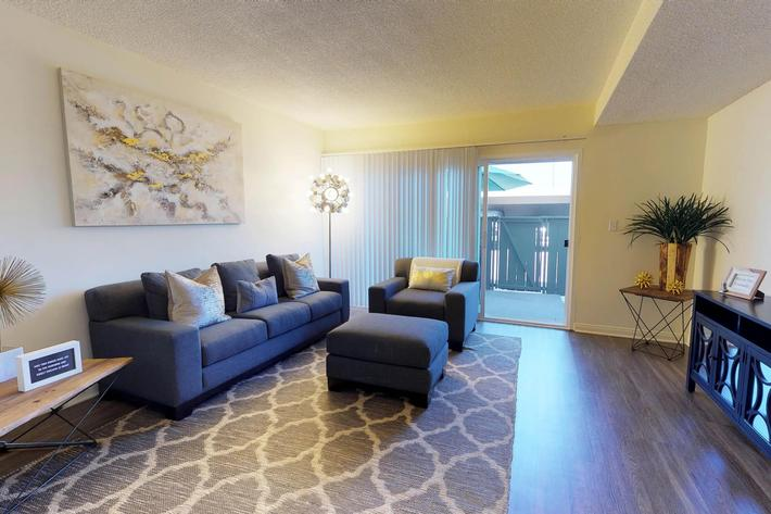 Loma-Palisades-Palms-Two-Bedroom-11052018_143157.jpg