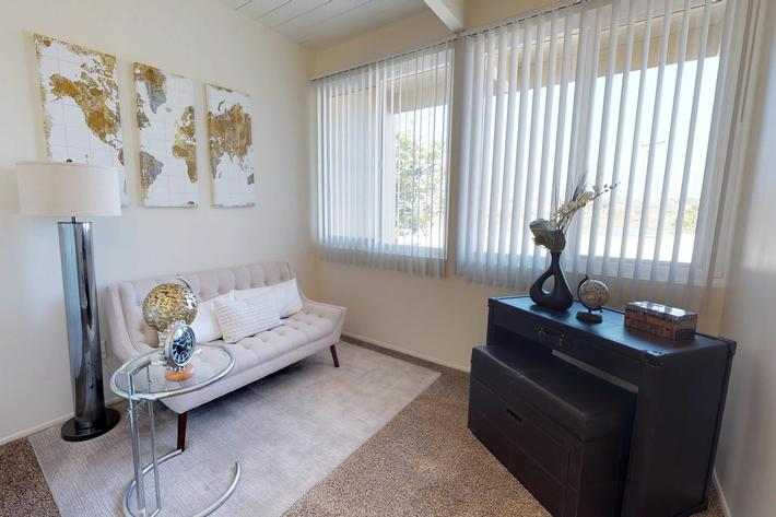 Loma-Palisades-Palms-Two-Bedroom-11052018_143403.jpg
