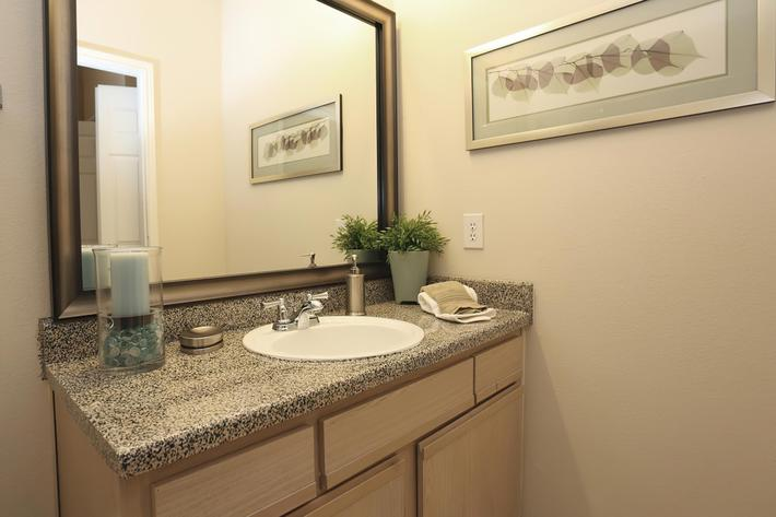 Bathroom(1)-width-2400px.jpg